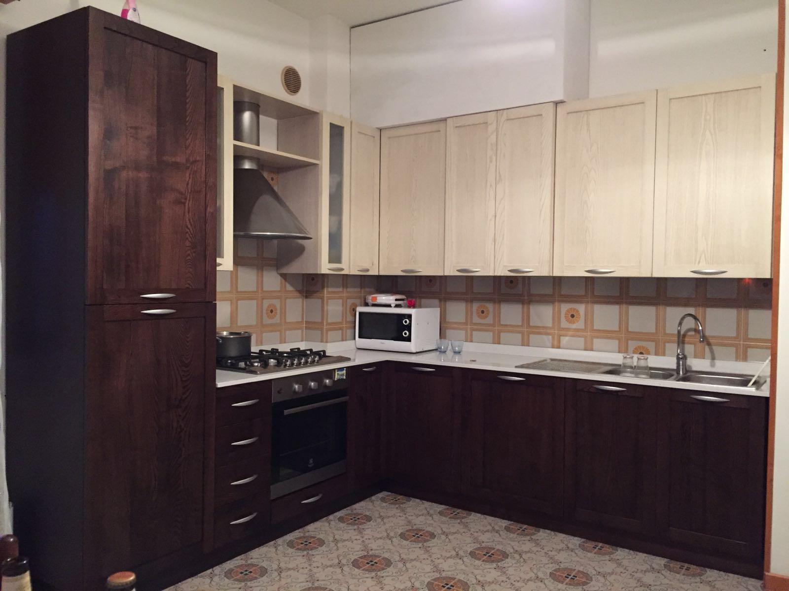 Cucina usata roma for Cucina moderna usata roma